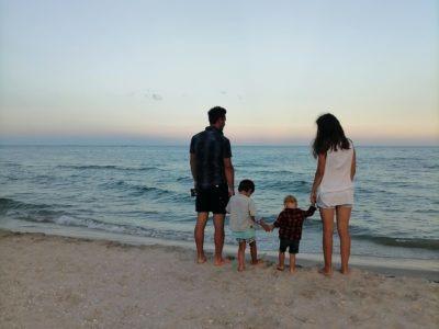 """Noi și marea. Cum se """"simte"""" o plajă sălbatică?"""